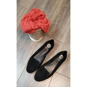 Vince Camuto Black Lanta Flats size 9.5 worn once